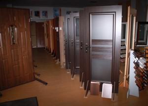 Medinių durų ekspozicija